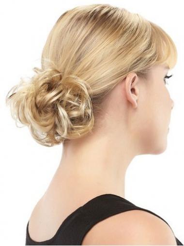 Moderne Blonden Chignon / Kauz