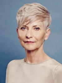 Platin Blonde Kurzen Haarschnitt für Alten Weiblichen