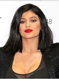 Kylie Jenners Halblange Glatte Schwarze Fantastische Perücken